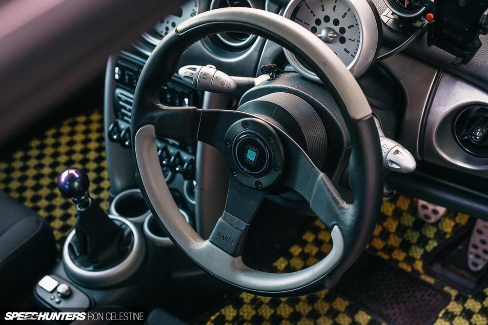 Vô lăng Nardi mới của chiếc Mini Cooper S