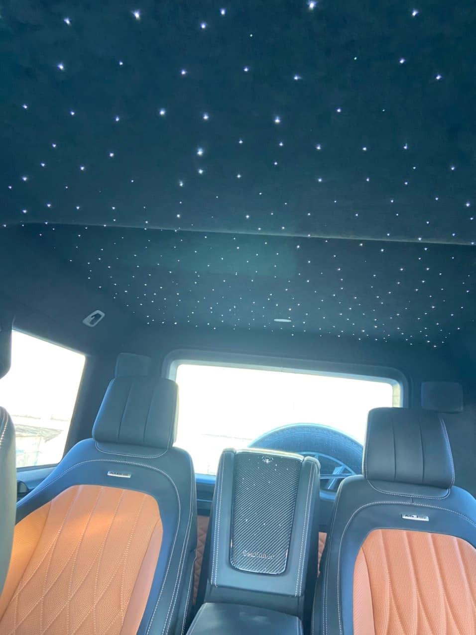 ChiếcMercedes-AMG G63 Gewinner MBS cóthêm bầu trờiđầy sao trên trần xe