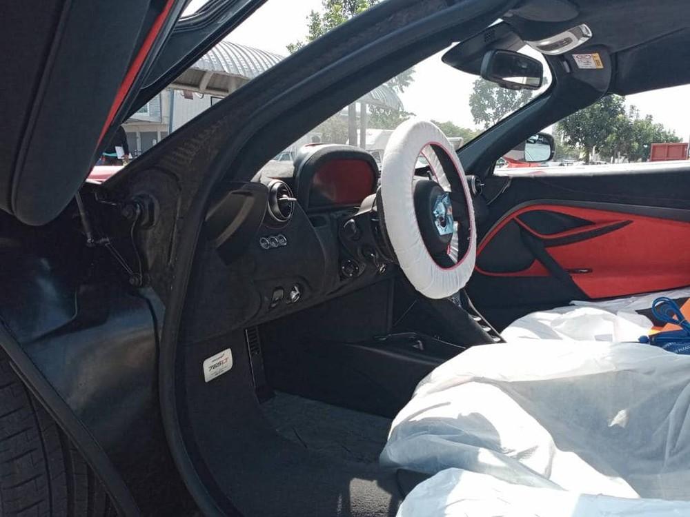 Nội thất siêu xe McLaren 765LT về Lào