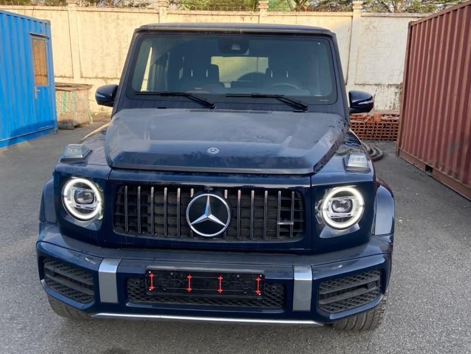 Nhìntừđầu xe rất khó nhận rađây là một chiếc Mercedes-AMG G63đãđượcđộ lại