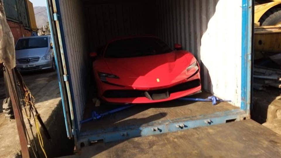 Và sau đó được đóng vào container để vận chuyển bằng đường biển về Việt Nam