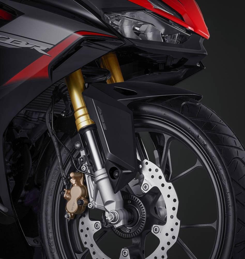 Phuộc ngược USD Showa hoàn toàn mới trên Honda CBR150R 2021