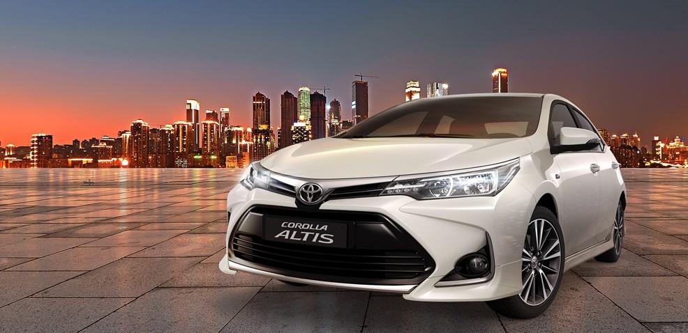 Hình ảnh tổng quan của Toyota Corolla Altis.