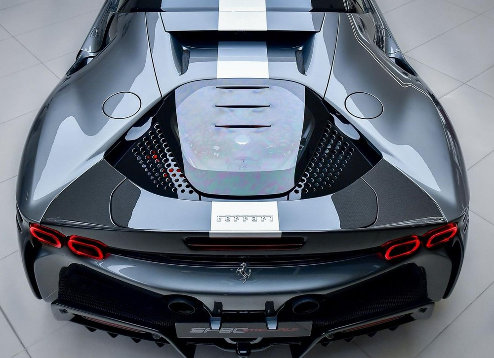 Siêu phẩm Ferrari SF90 Stradale có công suất tối đa 1.000 mã lực