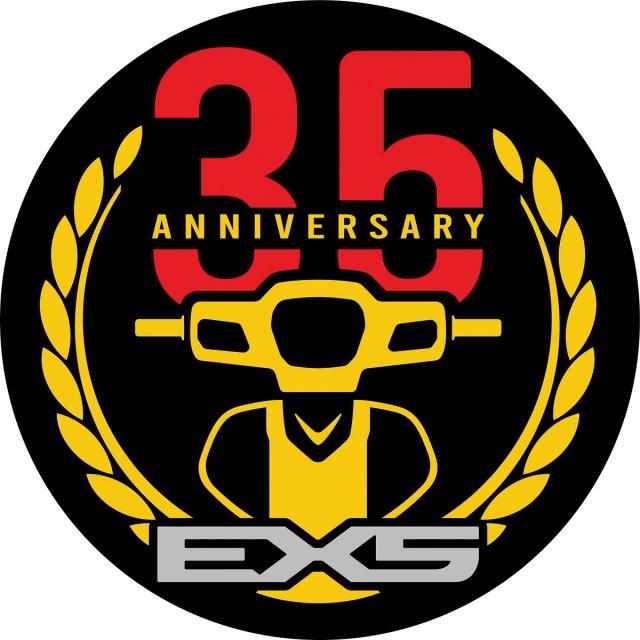 Logo kỉ niệm 35 năm dòng xe Honda Dream hay còn gọi là EX5 tại Malaysia