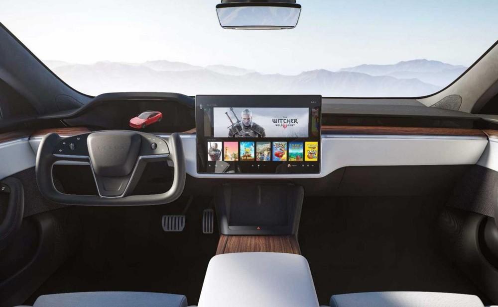 Khoang lái của Tesla Model S 2021