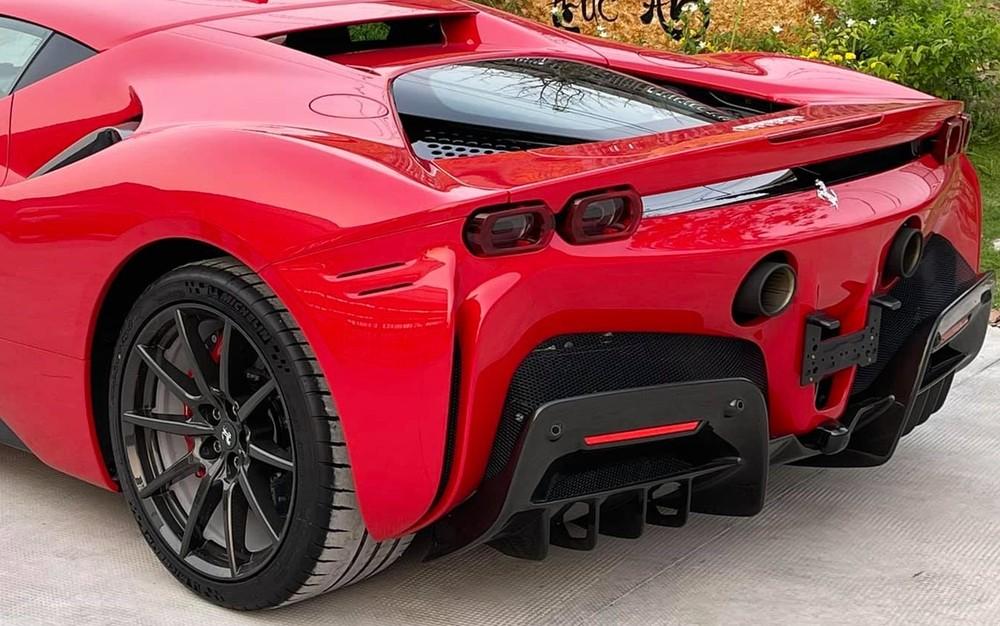 Còn đây là thiết kế đuôi xe Ferrari SF90 Stradale