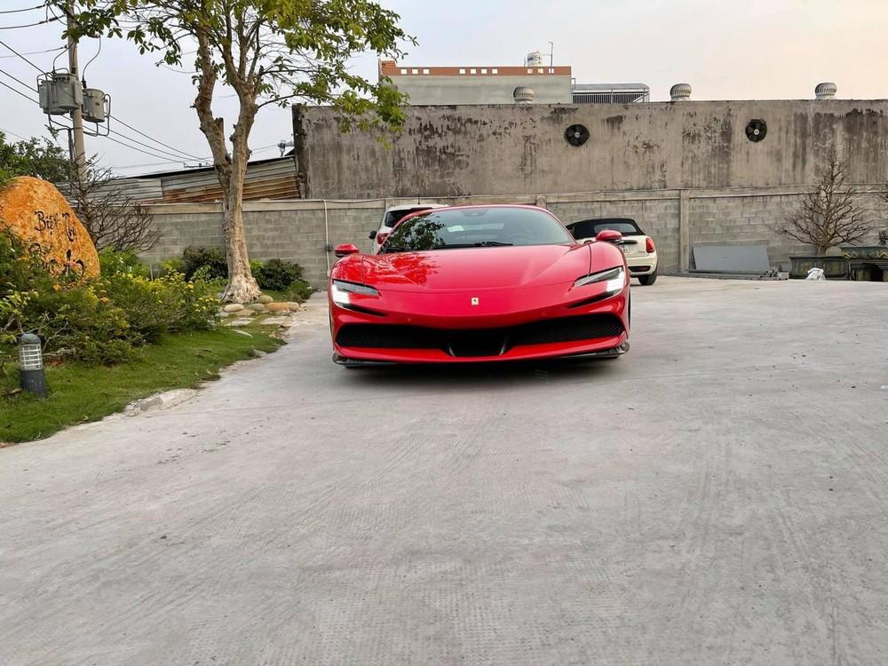 Ferrari SF90 Stradale độc nhất Việt Nam đã được cho thông quan và bàn giao đến chủ nhân