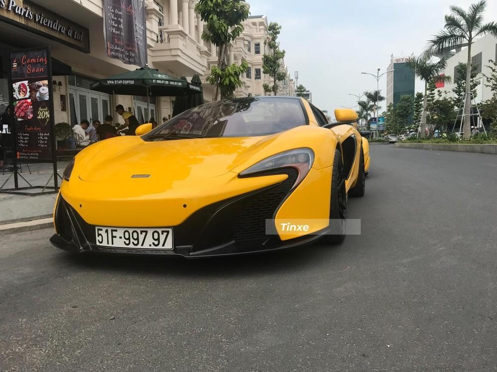Cận cảnh ngoại hình siêu xe mui trần McLaren 650S Spider bất ngờ xuất hiện tại nhà Phan Thành vào sáng 29/1
