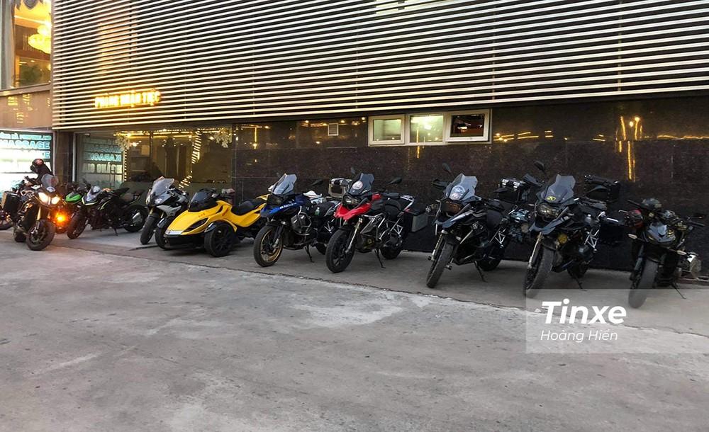 Dàn xe phân khối lớn của các thành viên câu lạc bộ mô tô Cần Thơ.