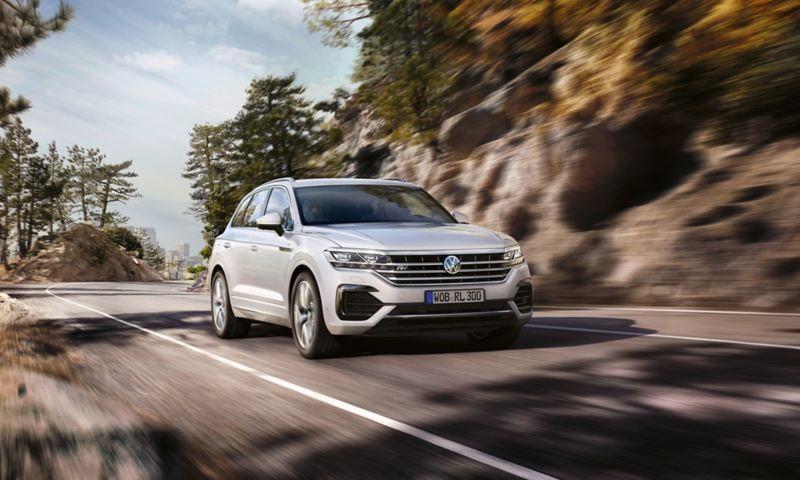 Volkswagen Touareg toát lên vẻ mạnh mẽ, thể thao