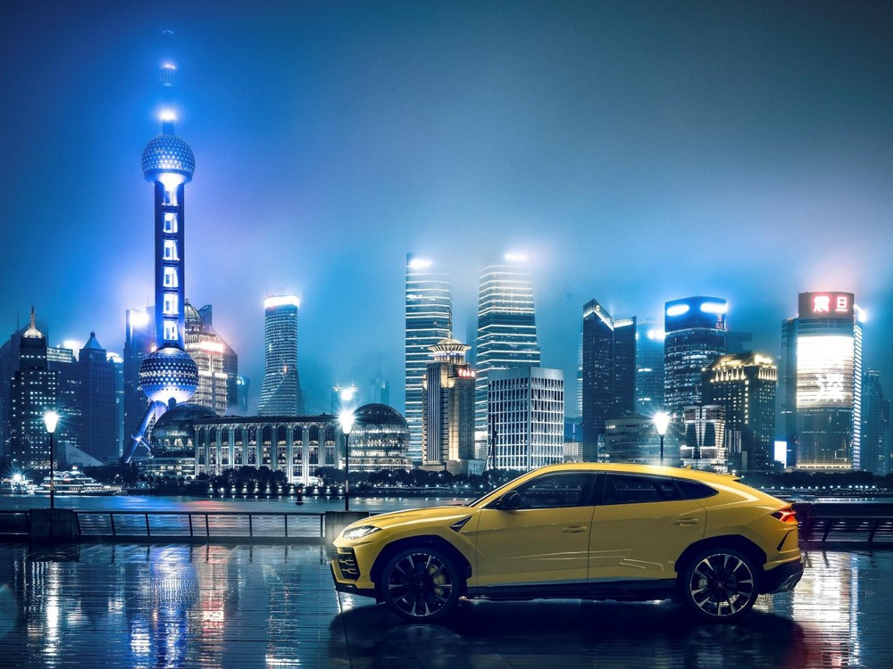Lamborghini Urus khoe dáng tại thành phố Thượng Hải, Trung Quốc