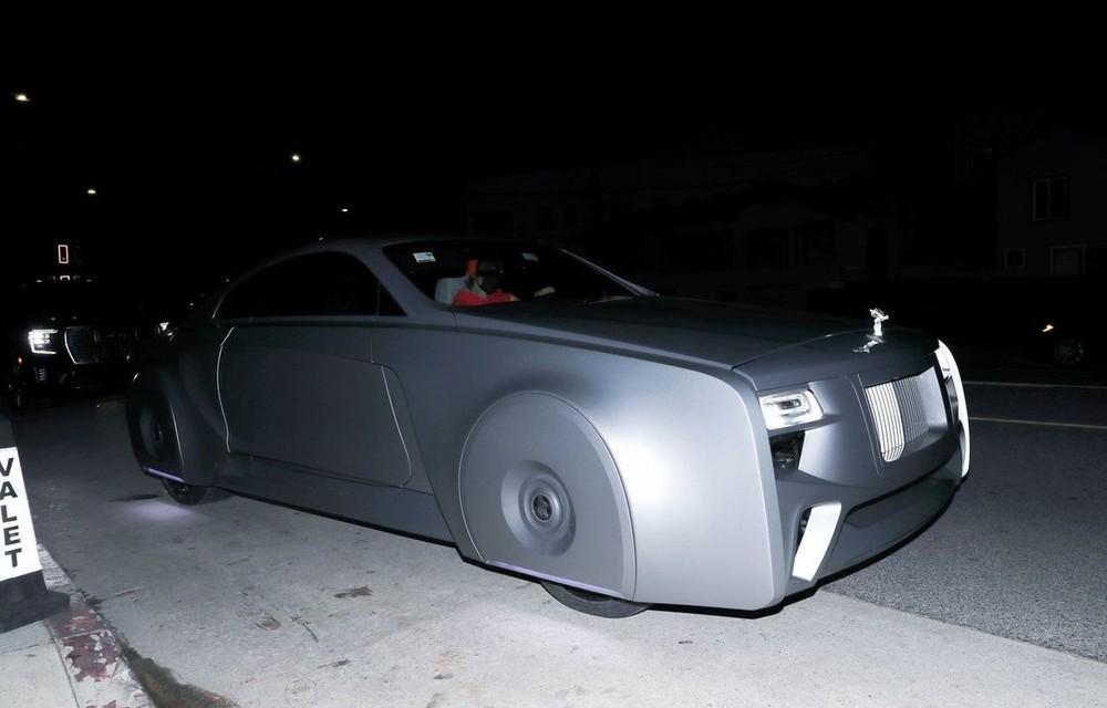 Chiếc Rolls-Royce này đã được công ty West Coast Customs độ lại