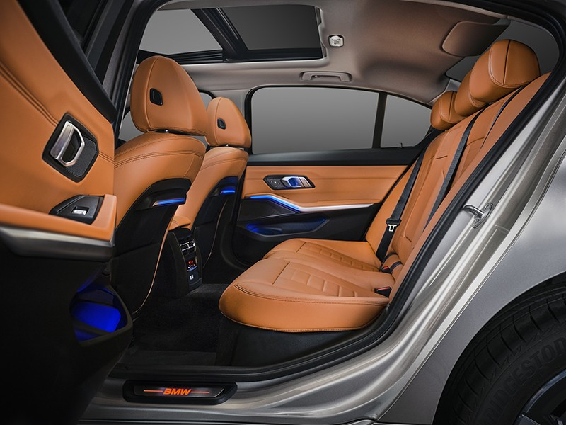 Hàng ghế sau của BMW 3-Series Gran Limousine 2021