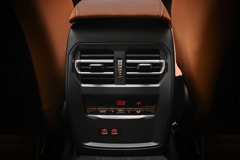 Cửa gió điều hòa hàng ghế sau của BMW 3-Series Gran Limousine 2021