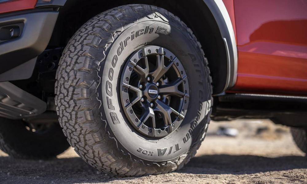Bộ lốp cỡ lớn của Ford F-150 Raptor 2021