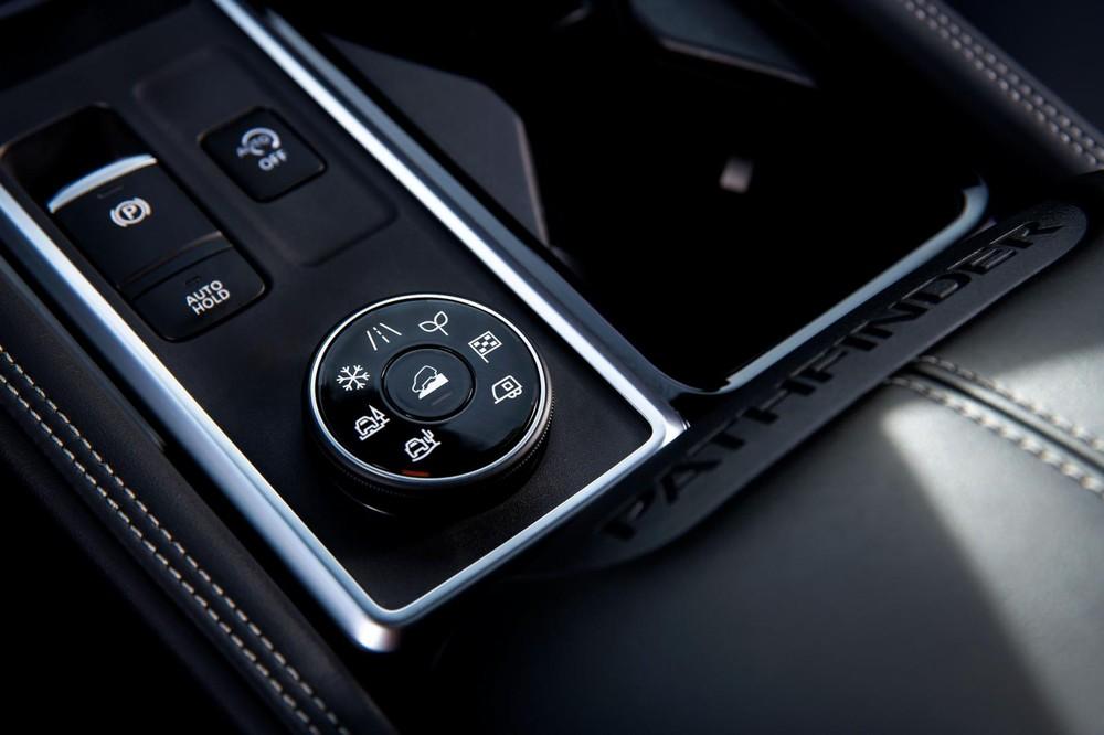 Núm xoay chọn chế độ lái của Nissan Pathfinder 2022