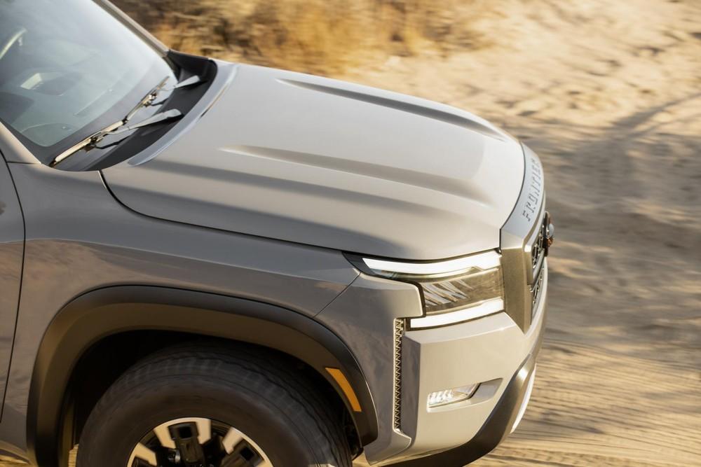 Nắp ca-pô dập gân của Nissan Frontier 2022