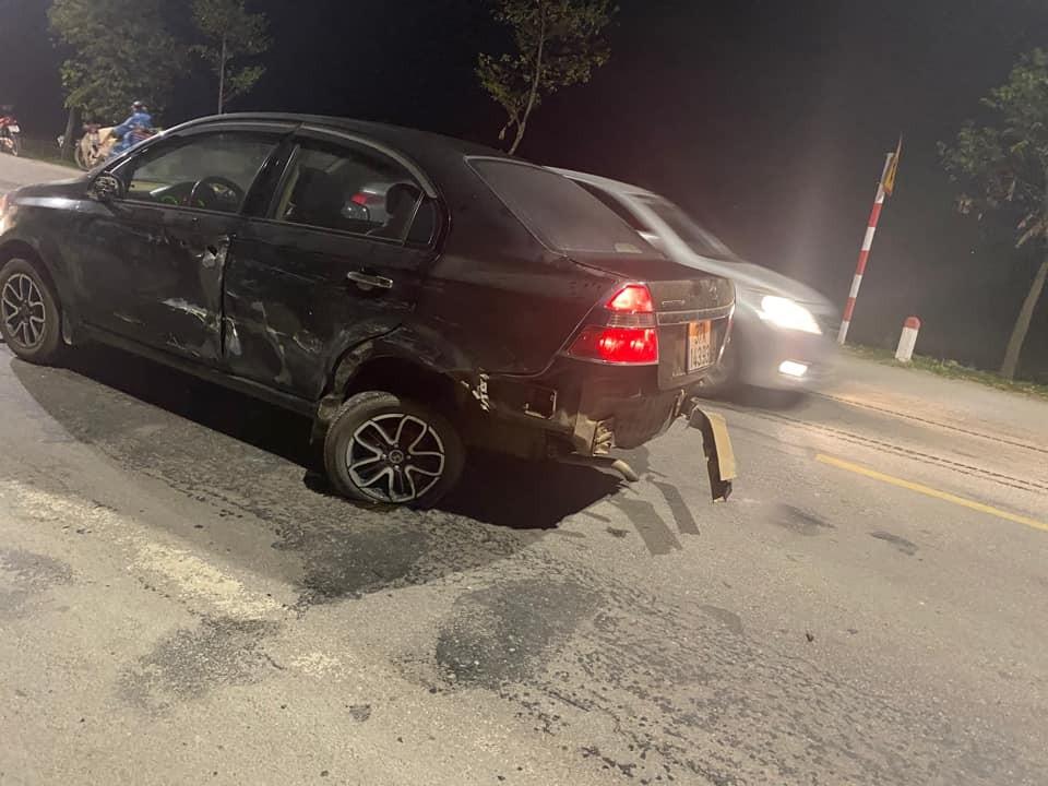 Chiếc Daewoo Gentra bị trầy xước bên sườn
