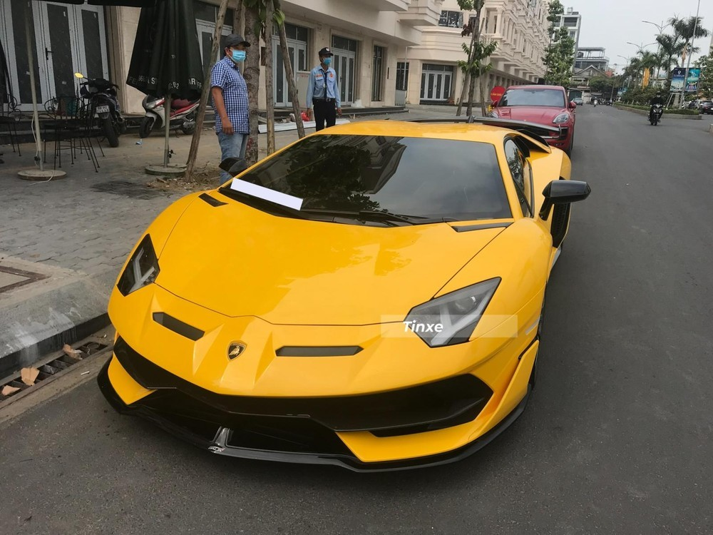 Lamborghini Aventador LP770-4 SVJ Coupe màu vàng độc nhất Việt Nam