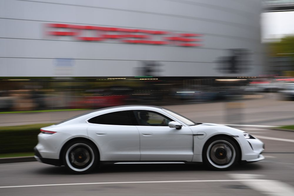 Porsche được đồn là sẽ sản xuất xe tại Malaysia