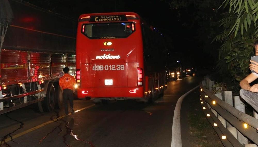Chiếc ô tô khách gây tai nạn liên hoàn trên đèo Bảo Lộc