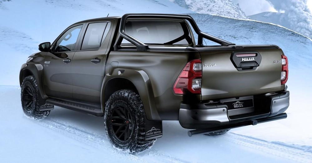 Toyota Hilux AT35 2021 là xe bán tải dành cho người mê off-road