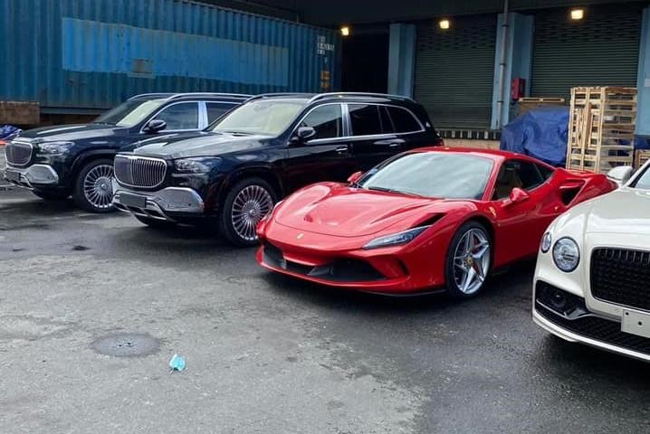 Cặp đôi Mercedes-Maybach GLS 600 2021 có tổng trị giá hơn 32 tỷ đồng về Việt Nam ăn Tết