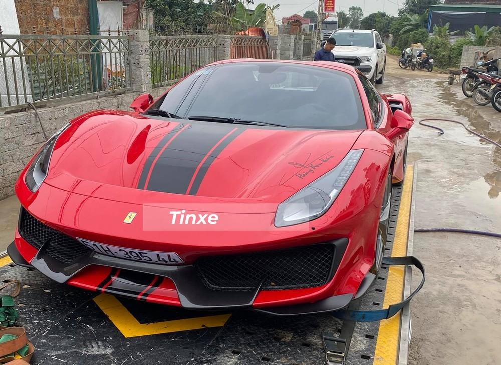 Siêu xe mui trần Ferrari 488 Pista Spider độc nhất Việt Nam sẽ cùng chủ nhân ăn Tết ở Hà Tĩnh