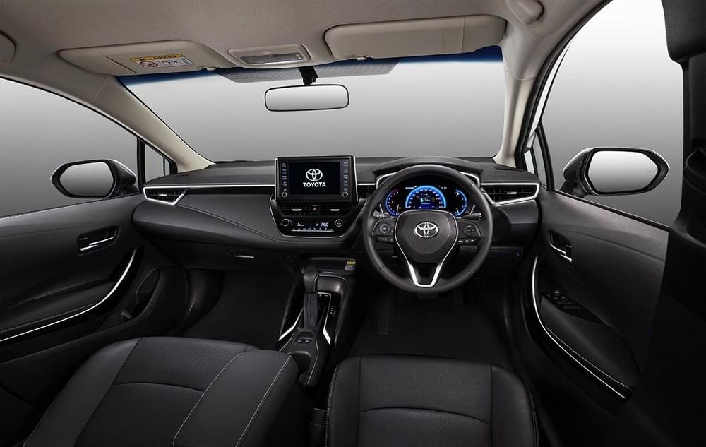 Tổng thể nội thất của Toyota Corolla Altis 2021.