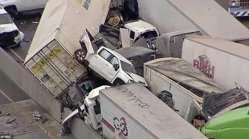 Ít nhất 6 người tử vong sau vụ tai nạn liên hoàn