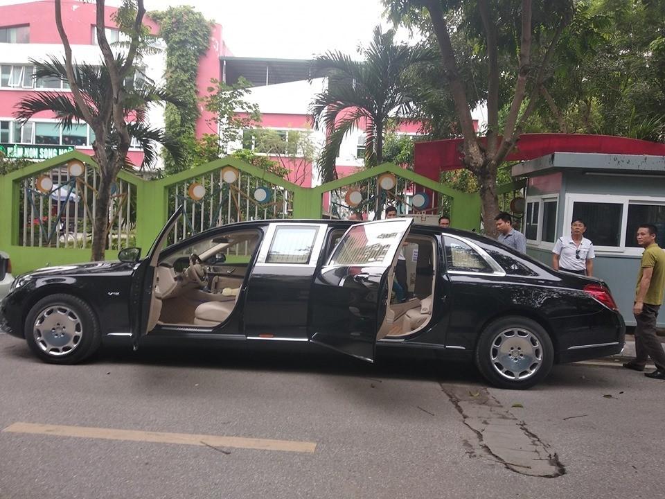 Trước đó các đại gia Việt đã mang về 2 chiếc Mercedes-Maybach S600 Pullman và một chiếc Mercedes-Maybach S650 Pullman khác