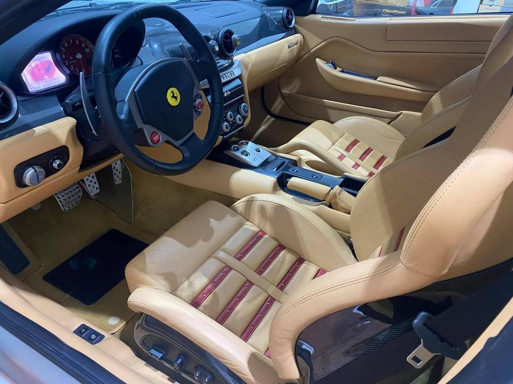 Đây hiện là 1 trong 2 chiếc Ferrari 599 GTB có mặt tại Việt Nam