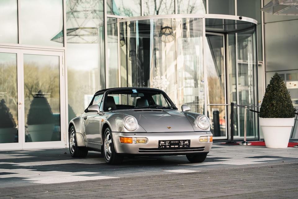 Phía trước của chiếcPorsche 911 Type 964 Carrera 2 Convertible Works Turbo Look 1992