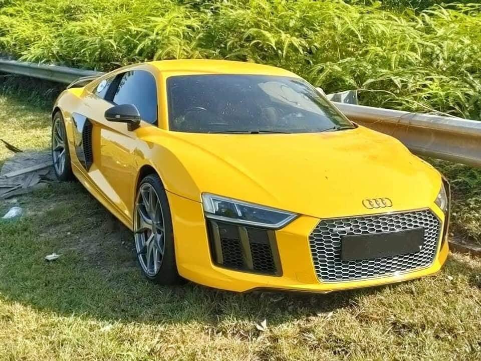 Siêu xe Audi R8 V10 Plus gặp nạn trong những ngày Tết ở Malaysia