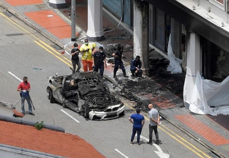 Chiếc xe BMW M4 cháy rụi sau tai nạn làm 5 người tử vong và 1 người nguy kịch