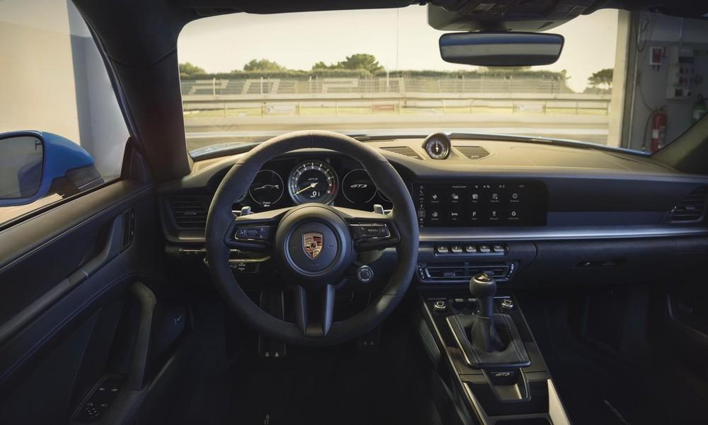 Nội thất bên trong Porsche 911 GT3 2022