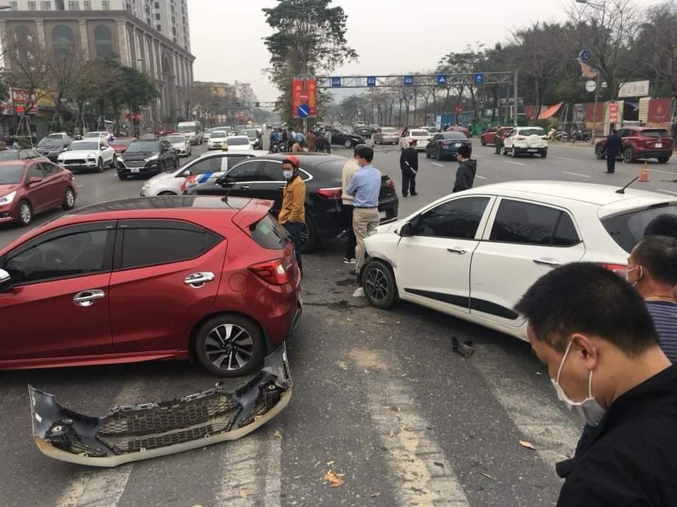 Những chiếc ô tô khác có liên quan đến vụ tai nạn