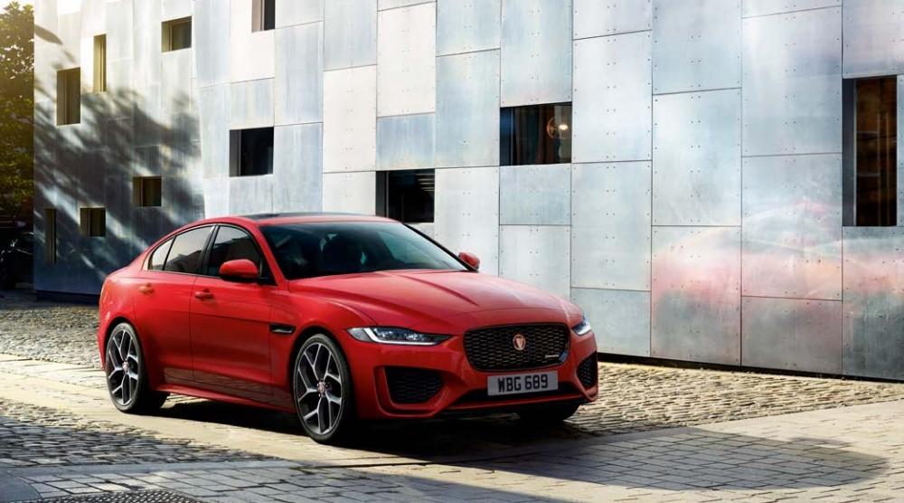 Giá xe Jaguar XE 2021từ 2,61 tỷ đồng