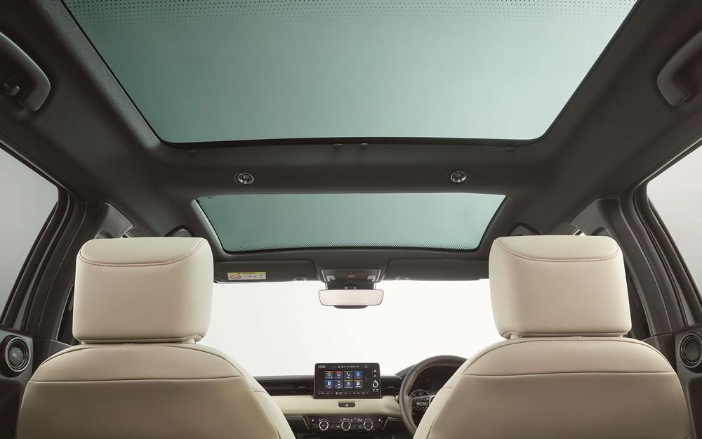 Cửa sổ trời toàn cảnh Panorama của Honda HR-V thế hệ thứ ba