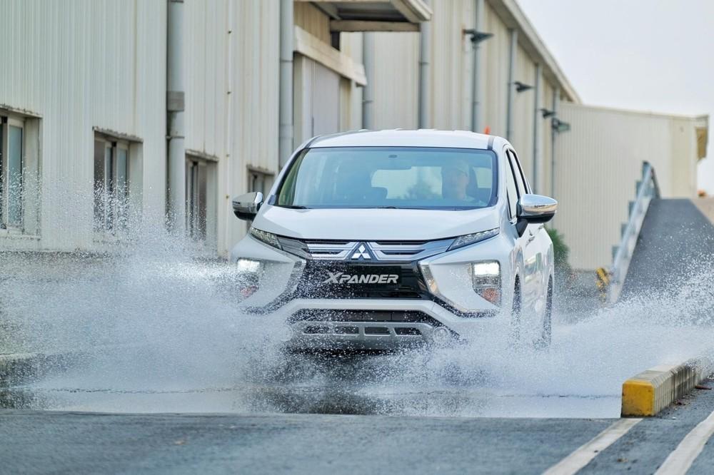 Mitsubishi Xpander dù đã có 1 bản lắp ráp trong nước nhưng phần lớn người dùng vẫn hướng tới 2 phiên bản nhập khẩu.