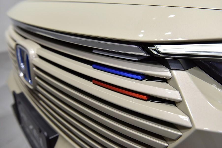 3 điểm nhấn màu xanh dương, đỏ và trắng của Honda HR-V Play 2021