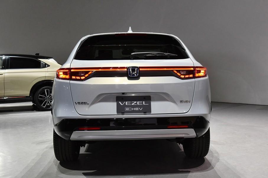 Honda HR-V 2021 nhìn từ phía sau