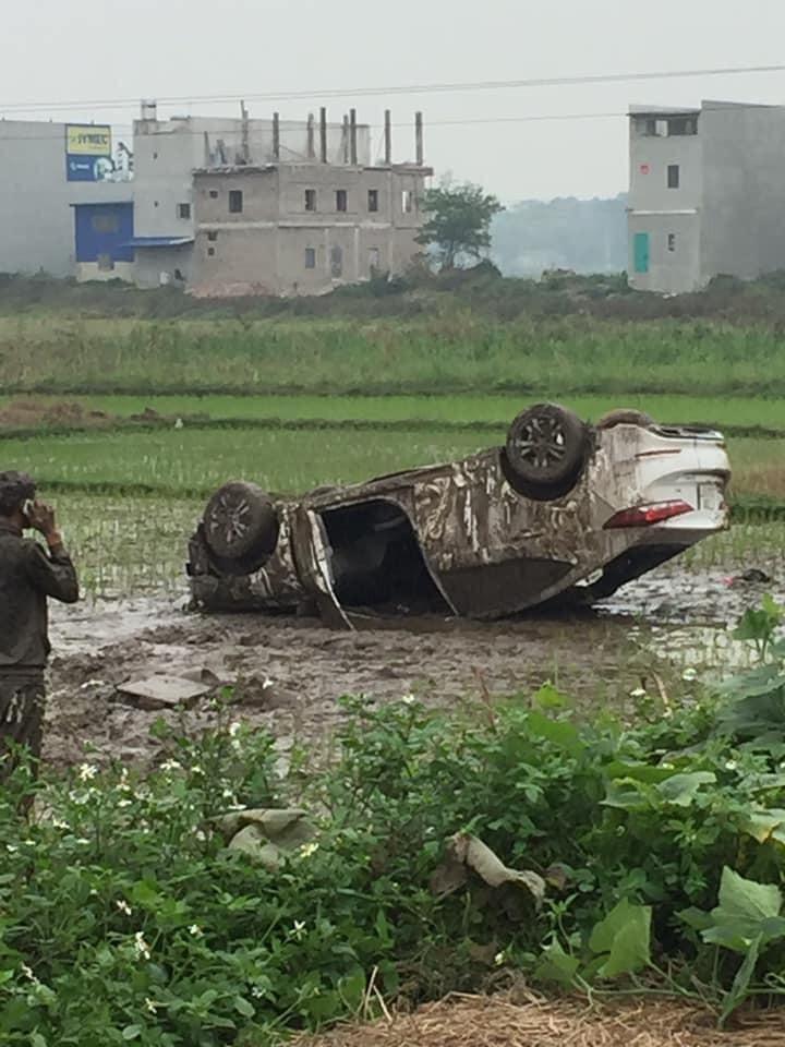 Hiện trường vụ tai nạn của chiếc ô tô Hyundai Elantra