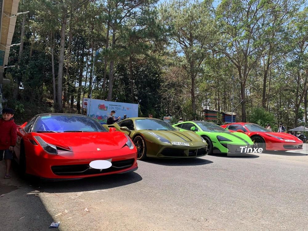 Từ trái sáng là Ferrari 458 Italia, Ferrari 488 GTB, McLaren 570S và cuối cùng là Ferrari 458 Spider