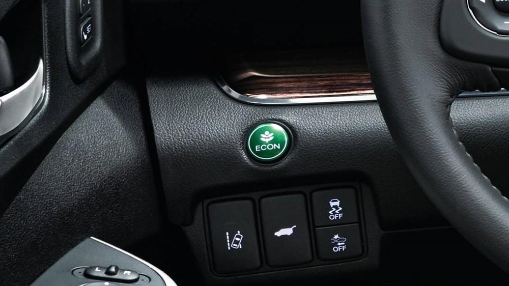 Để chuyển sang chế độ Eco, người dùng chỉ cần ấn vào nút biểu thị chức năng này.