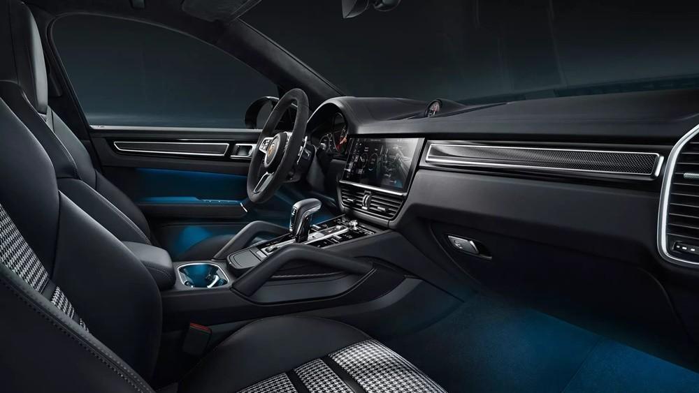Không gian nội thất của Porsche Cayenne 2021