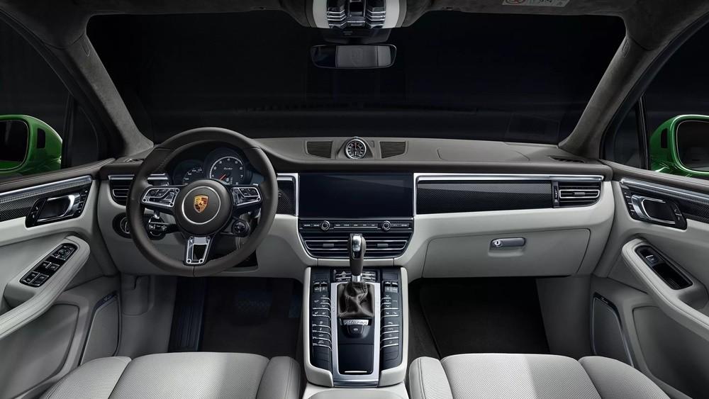 Nội thất của Porsche Macan 2021 trên phiên bản Turbo