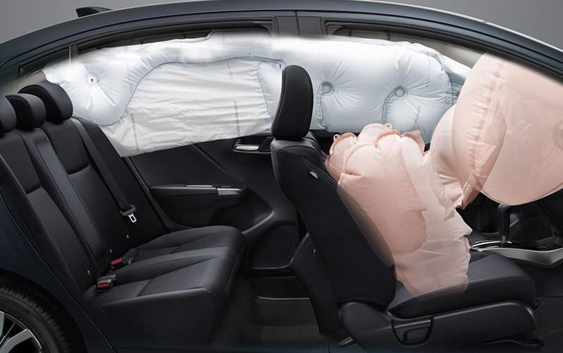 Túi khí là trang bị an toàn bảo vệ người ngồi trong xe khi xảy ra va chạm.
