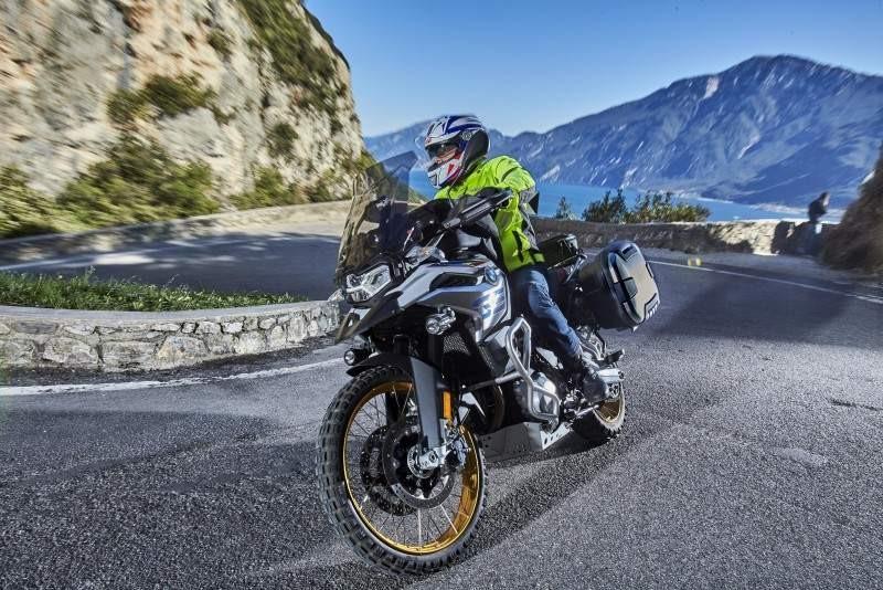 Givi ra mắt loạt trang bị bảo vệ mới dành cho xe mô tô
